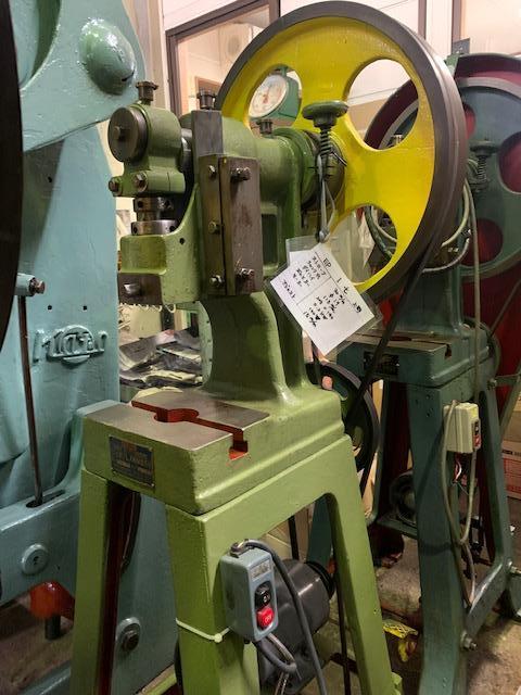 上野プレス機械製作所